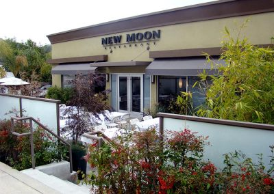 New Moon - Montrose Exterior